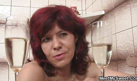 Esposa embarazada midget videos caseros con veteranas después del baño se folla a su marido con pequeños brotes Midget