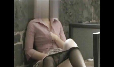 Chica sentada en el paso de la puerta veteranas muy calientes y masturbándose, Voyeur madre folla con hahala