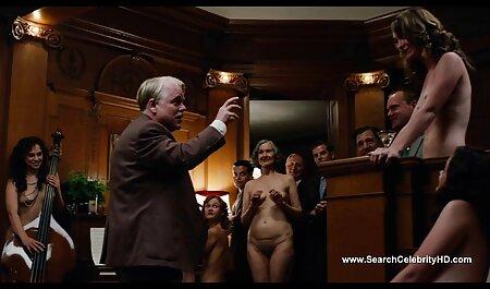La niña gritó porn maduras amateur triste cuando shnyag grueso entra en el recto empujando el taburete hacia atrás