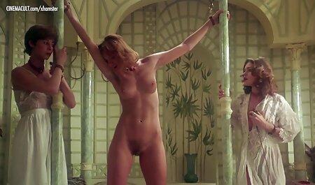 Tomó la cámara en sus manos y ordenó a la joven rubia a desnudarse y bailar desnuda con la vagina videos de veteranas cojiendo convertido en frente de él