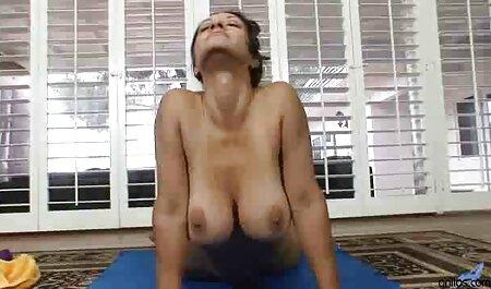 Las porno con veteranos posturas son adecuadas para ranurar mascotas, sentarse en raskoryaku de pie