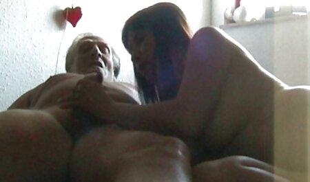 Ella llevaba a una hermana un miembro de la veteranas haciendo pajas madre, que vienen a visitar y terminan con una boca pegajosa en la boca