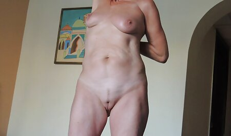 Una mujer joven para convencer videos con veteranas a dos hombres sanos, penetrado dos veces en el sexo anal, su sexo en grupo