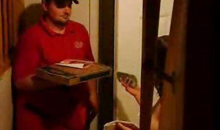 Un peludo fotógrafo captura a videos de sexo gratis con veteranas un joven elfo en su estudio en el trádromo