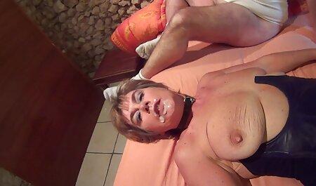 Vecinos varones pagan video xxx veteranas anfitriona 5.500 y folla su culo en su mesa de la cocina