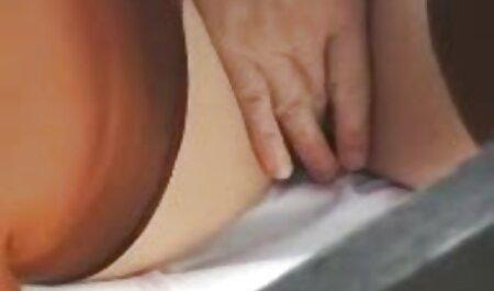 Una videos de lesbianas veteranas pelirroja flaca ha desarrollado sus agujeros con todo tipo de juguetes sexuales, y se está preparando para un brutal con enormes pollas que la follan ferozmente en anal