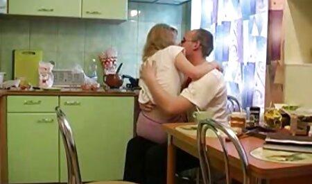 Rubia, solo, masturbándose, anal no tuvo ningún efecto, y cuando llegó su novio, ella se quejó con él al respecto y él tomó esto y llevó a la niña a un orgasmo violento golpeándola en el culo con videos veteranas tetonas un gran grueso.