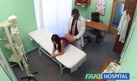 El orgasmo femenino tan veteranas bien calientes duro que su coño presionando sobre una vagina húmeda