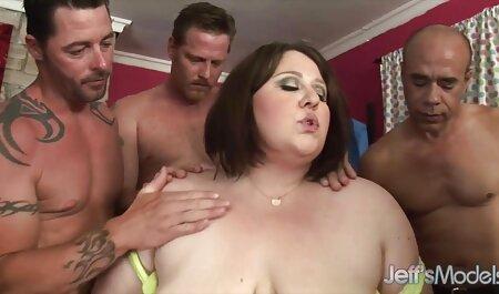 Sentirse como un esclavo, mandona follar perro Ébano, esto correctamente, POV porno con veteranas zorras un hermoso Ébano